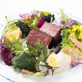 レストランひらまつの伝統を受け継ぎつつ、進化し続ける料理