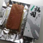 川島商店 - 料理写真:地酒ケーキ 福司 ミニ純米酒 378円(税込) (2020.1)