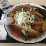 北斗 - 醤油野菜ラーメン 1078円 (2020.1)