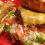 CHEESE BURGER (w/French fries) - チーズバーガー - (テイクアウトO.K!)