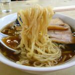 味の大西 - 多加水ピロピロ平打ち麺!