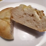 ハートブレッド アンティーク - 甘くないパン