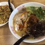 西谷家 - 「辛か麺」(680円)+「半チャーセット」(+320円)いただきました。