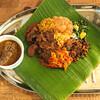 月曜スリランカカレー - 料理写真:肉と魚両方のプレート