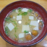 宝寿司 - 寿司にサービス(?)のなめこ汁