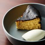 炭火とワイン - バスクチーズケーキ