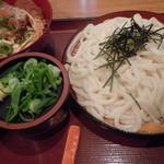 杵屋 - カツ丼定食(880円)だー