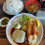 キッチンきねや - 料理写真:海老フライとハンバーグ 1,000円 ライス大盛り+100円