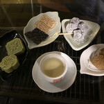 九份阿妹茶酒館 - 高山烏龍茶とお茶菓子のセット