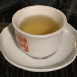 九份阿妹茶酒館 - 二煎目からは自分で入れます。