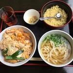 黒田節 - 料理写真:揚げたて糸島豚カツ丼とミニうどんセット