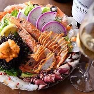 テーブルが華やぐ、「魚魂カルパッチョ」や「生うにぷりん」