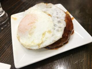フロントキッチン - ハンバーグ(390円)