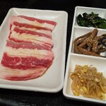 A5仙台牛焼肉食べ放題 肉十八 - バラカルビ&ナムル