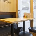 焼鳥のヒナタ - 4名テーブル