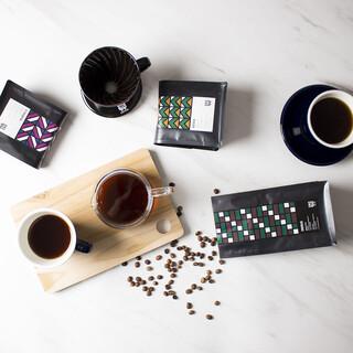 選び抜かれたコーヒーや日本茶のほか、横浜の地酒・地ビールも◎
