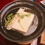 西村屋 本館 - 湯豆腐