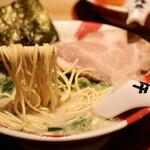 長浜豚骨ラーメン 一番軒 - 麺リフト