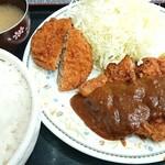 カレーとハンバーグの店 バーグ - 豚カツ定食&メンチカツ