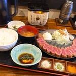 Gyuukatsusemmontenushitora - 2019年8月 牛かつ定食L(200g)【1800円】