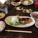 四季 武むら - 料理写真:鶏の味噌煮定食