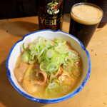 124898400 - もつ煮(¥539)。生姜を効かせてあり、味は濃すぎず、さっぱりとした仕上がり