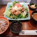 大戸屋 - 鶏竜田揚げとポテトのねぎソースたっぷり野菜の定食
