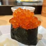 いろは寿司 - 大盛いくら  700円