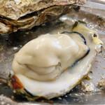 かき小屋 - おっきくてぷりんぷりんな牡蠣も。