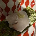 たつの申し子 - 香ばしく炙って1口お寿司に。美味!!
