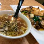 一番飯店 - スープがセットでした