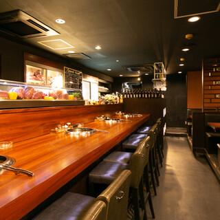 和モダンな店内では、様々なシーンでお食事を楽しめます。