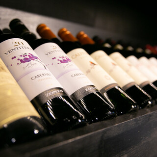 お料理や季節に合わせたワインのほか、定番ドリンクもございます