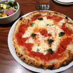 ピッツェリア&肉イタリアン OTTIMO VITA - マルゲリータ 1628円 ミックスリーフサラダ&ドリンク付き
