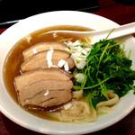 高園 - 豚角煮刀削麺