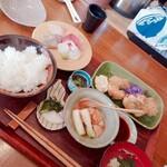 海味食堂 木川 - 料理写真:本日の定食。こちらは豚の角煮。