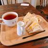珈琲 春秋 Kobe - 料理写真:モーニング・サンドイッチと紅茶