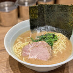 横浜ラーメン 渡来武 -