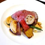 Maison Michel - 【メインディッシュ】             ぶどう牛ランプ肉のロースト               粒マスタードソース