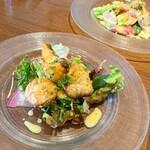 Maison Michel - 【前菜】             平目・真鱈・帆立貝のフリットサラダ             サフランヴィネグレットソース