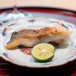 青華こばやし - マナガツオの塩焼き
