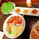焼肉ぷるこぎ - 宮崎牛カルビ、牛ハラミ、イカ、巻き野菜盛り♡