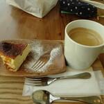 ユニオンカフェ - バスク風チーズケーキとコーヒー