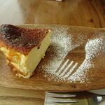ユニオンカフェ - バスク風チーズケーキ