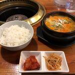 焼肉ぱんが - 純豆腐チゲ定食