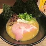 麺s慶 - 料理写真:鶏白湯 850円
