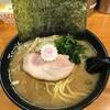 横浜ラーメン てっぺん家 - 料理写真:ラーメン