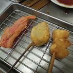 串カツ甲子園 - ●左から紅生姜,シューマイ,ニンニク