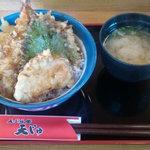 12502970 - 天じゅ天丼:えび、いか(半分)、やさい3品