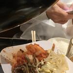 和牛焼肉食べ放題 肉屋の台所 - キムチやナムル